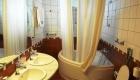 hotel-bathroom-1213410-640x960
